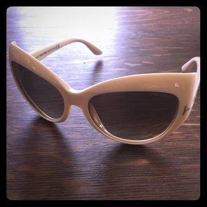 4a8c42358b42 Tom Ford Cateye Sunglasses